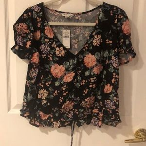 NEW American Eagle Black floral crop top!